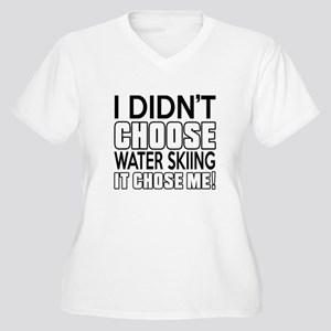 Water Skiing It C Women's Plus Size V-Neck T-Shirt