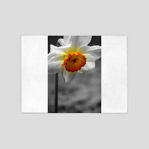 Daffodil Umbrella 5'x7'Area Rug