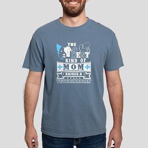 The Best Mom Raises A Veterinarian T Shirt T-Shirt