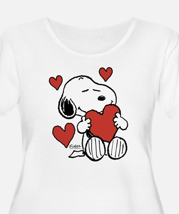 Snoopy on Heart Plus Size T-Shirt