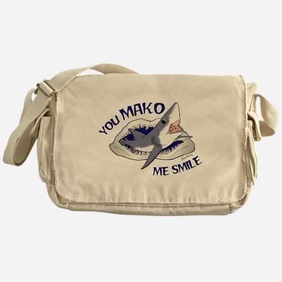 Mako me smile Messenger Bag