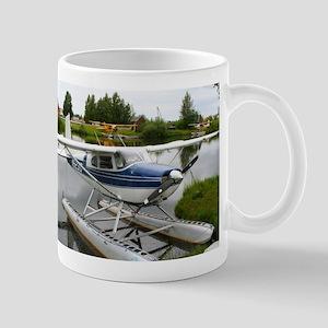 White & navy float plane, Alaska Mugs