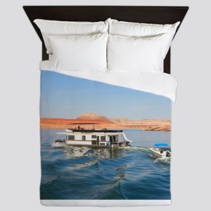 Houseboat making waves, Lake Powell, A Queen Duvet