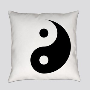 Minimalist Yin Yang Symbol Everyday Pillow