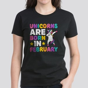 Dabbing Unicorn Gift Unicorns Are Born In T-Shirt