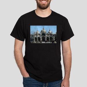 bascilica T-Shirt