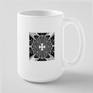 Cross pattée Mugs