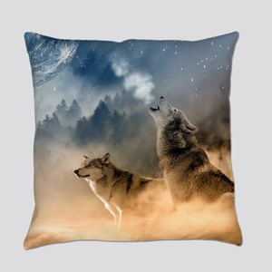 Wolves Howling at moon Everyday Pillow