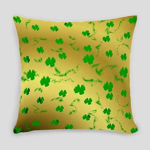 green shamrocks Everyday Pillow