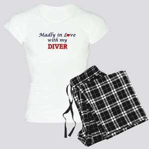 Madly in love with my Diver Women's Light Pajamas