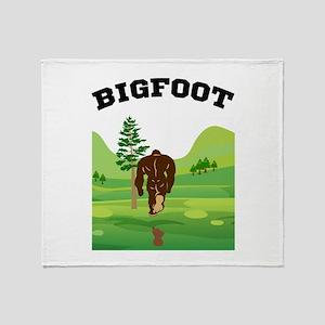 Bigfoot lives! Throw Blanket