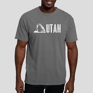 Utah: Delicate Arch Mens Comfort Colors Shirt