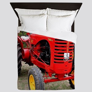 Old red tractor Queen Duvet