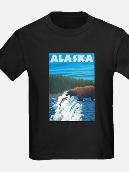 Alaska - Bear Fishing for Salmon T-Shirt