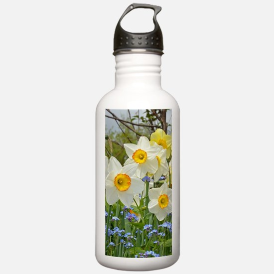 White and yellow daffo Water Bottle