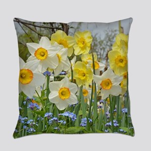 White and yellow daffodils Everyday Pillow