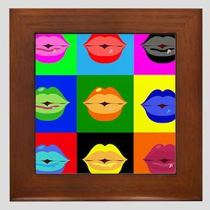 kiss pattern Framed Tile