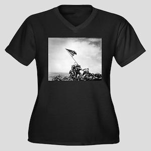 Iwo Jima, raising the flag Plus Size T-Shirt