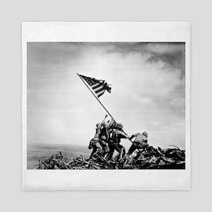 Iwo Jima, raising the flag Queen Duvet