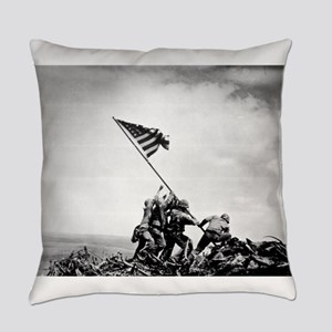 Iwo Jima, raising the flag Everyday Pillow
