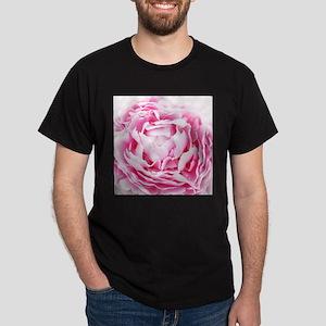 chic pastel pink peony T-Shirt