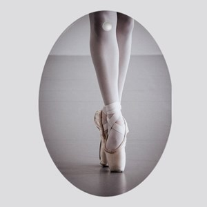 Ballet Dancer Legs in Pointe Shoes Oval Ornament