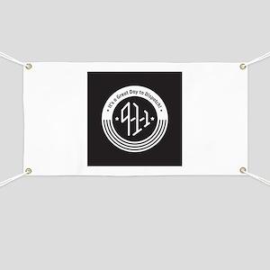 4Logo-911-black-inverse Banner