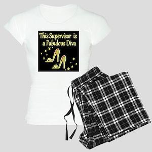 CHIC SUPERVISOR Women's Light Pajamas