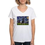 Starry / Min Pinscher Women's V-Neck T-Shirt