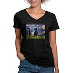Starry / Min Pinscher Women's V-Neck Dark T-Shirt