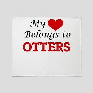 My heart belongs to Otters Throw Blanket