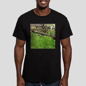 Hay Rake Men's Fitted T-Shirt (dark)