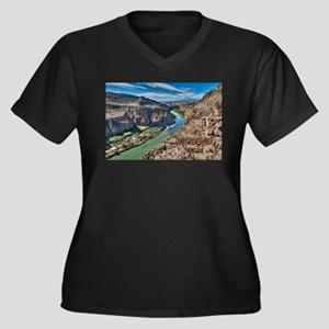 Cliff View of Big Bend Texas Nat Plus Size T-Shirt