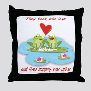 Hoppily ever after Throw Pillow