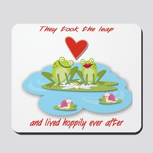 Hoppily ever after Mousepad