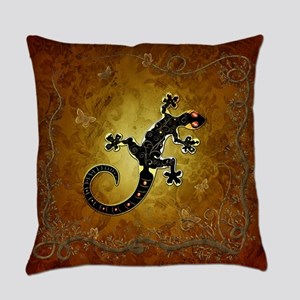 Gecko in red and gold Everyday Pillow