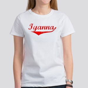 Iyanna Vintage (Red) Women's T-Shirt