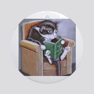 Reading Cat Round Ornament