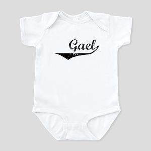 Gael Vintage (Black) Infant Bodysuit