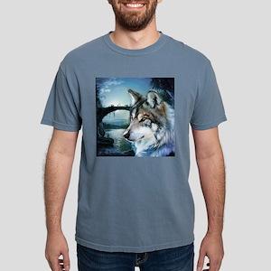 romantic moonlight wild wolf T-Shirt