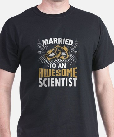 Married To An Awesome Scientist T-Shirt