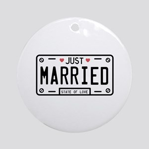 Just Married Round Ornament