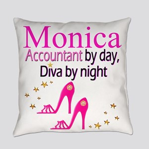 #1 ACCOUNTANT Everyday Pillow