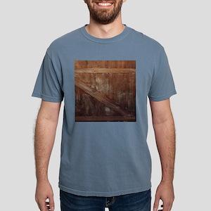 primitive farmhouse barn wood T-Shirt