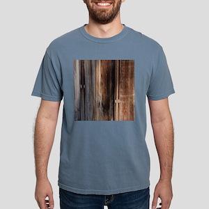western country barn board T-Shirt