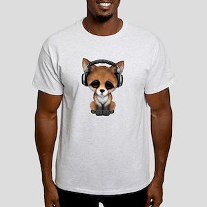 Cute Red Fox Cub Dj Wearing Headphones T-Shirt