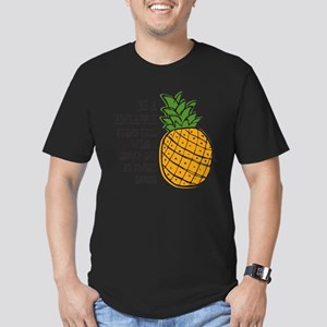 Be A Pineapple Men's Fitted T-Shirt (dark)