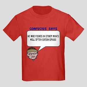 Catch crabs Kids Dark T-Shirt