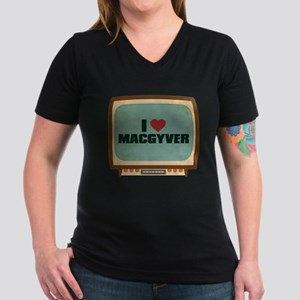 Retro I Heart MacGyver Women's Dark V-Neck T-Shirt