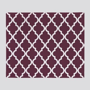 Moroccan Quatrefoil Pattern: Burgund Throw Blanket